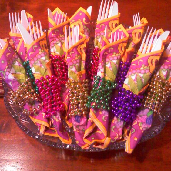 Fancy your plasticware up by wrapping them with Mardi Gras beads